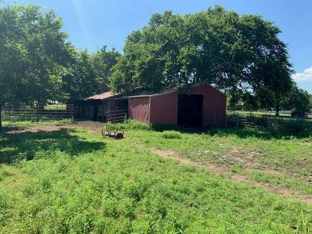 N 3570 Road, Prague, OK 74864 (MLS #917081) :: Homestead & Co