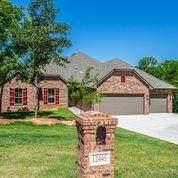 12445 Stone Hill, Guthrie, OK 73044 (MLS #917563) :: Homestead & Co