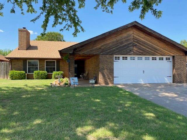 135 Regency, Clinton, OK 73601 (MLS #919338) :: ClearPoint Realty
