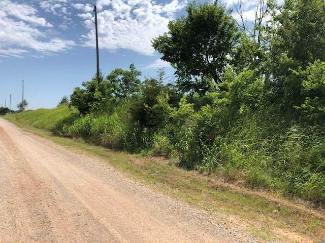 W College Avenue, Guthrie, OK 73044 (MLS #919472) :: Homestead & Co