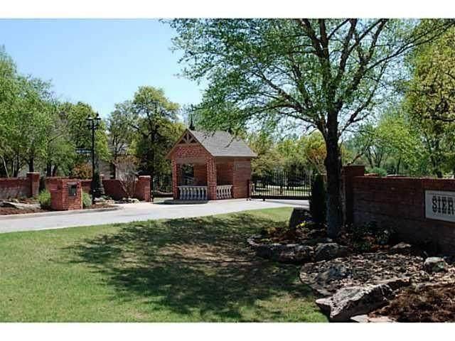 5201 NE 131st Court, Edmond, OK 73013 (MLS #921122) :: Homestead & Co