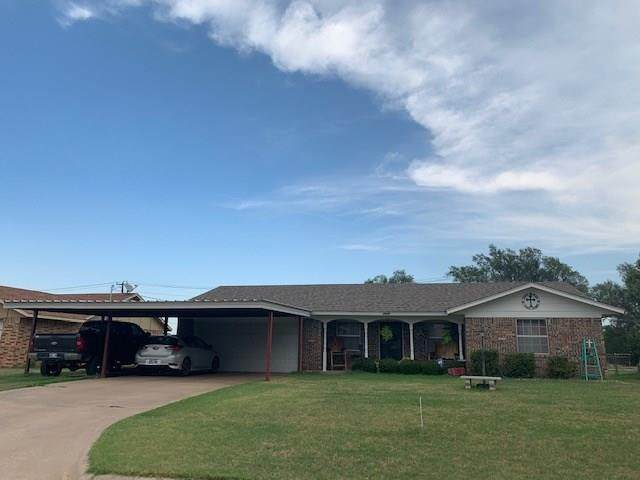 1516 Cindy Street, Mangum, OK 73554 (MLS #924347) :: Homestead & Co