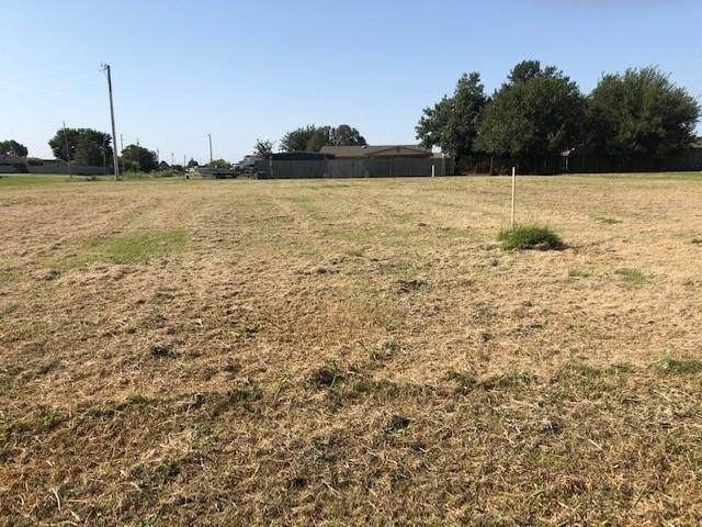 Lucinda Lane, Kingfisher, OK 73750 (MLS #926141) :: Homestead & Co