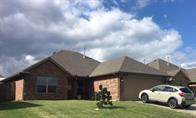 20773 Autumn Trail, Harrah, OK 73013 (MLS #926798) :: Homestead & Co