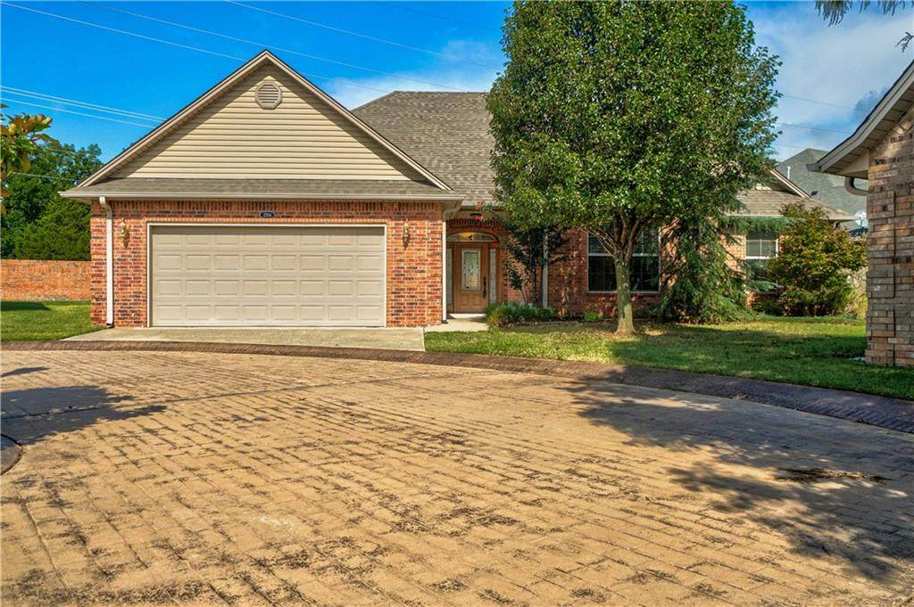 2304 Troon West - Photo 1