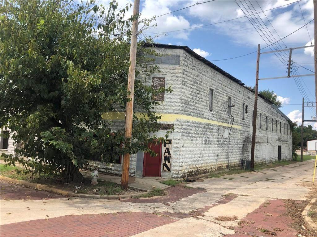 105 Cedar Streets - Photo 1