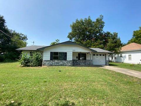 415 N Hickory Street, Ada, OK 74820 (MLS #928697) :: Homestead & Co