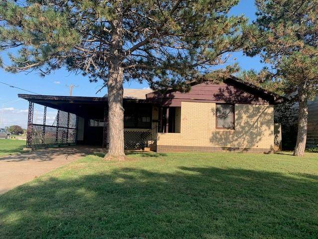 1412 Belle Street, Altus, OK 73521 (MLS #929330) :: Homestead & Co