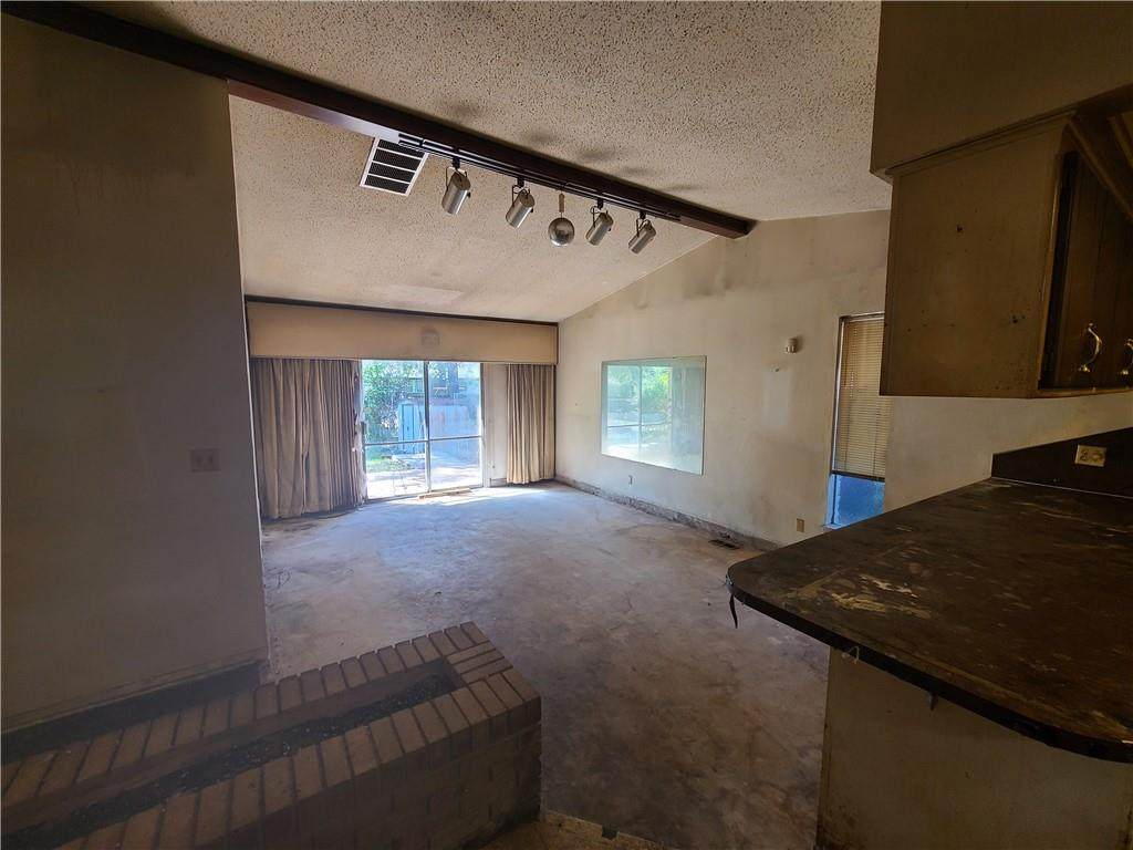 3413 Simmons Drive - Photo 1