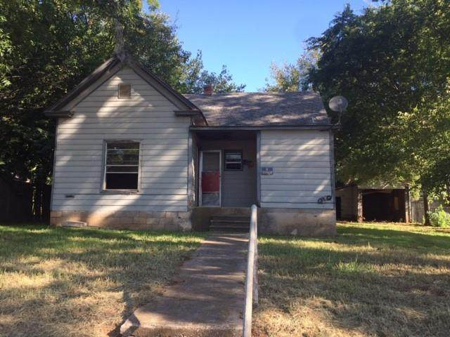 211 W Fox Street, Purcell, OK 73080 (MLS #930296) :: Erhardt Group at Keller Williams Mulinix OKC