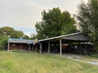 216 W Colorado Street, Cyril, OK 73029 (MLS #930459) :: Homestead & Co