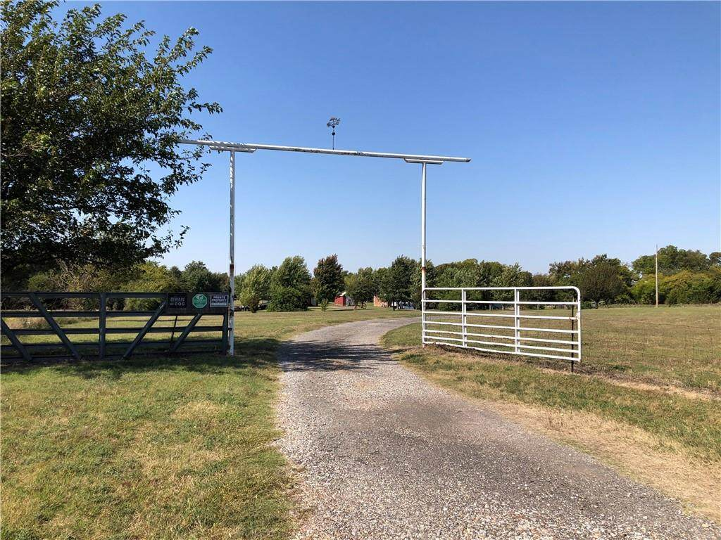 11601 Countyline Road - Photo 1