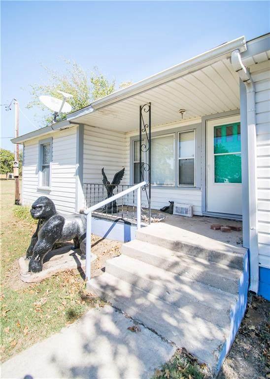 6002 Pebble Lane, Choctaw, OK 73020 (MLS #932564) :: Homestead & Co