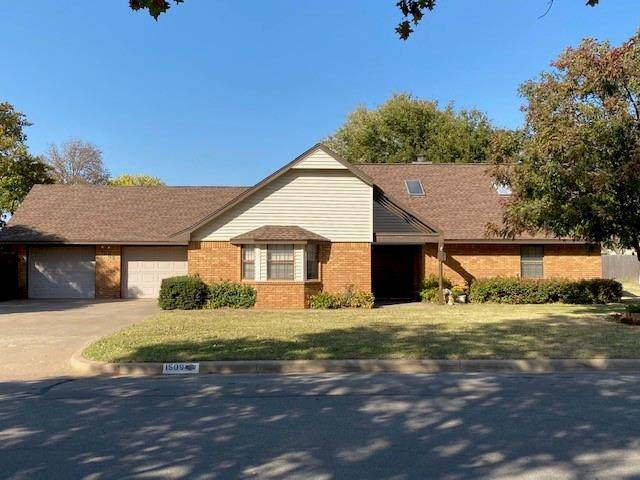 1509 Steiner Road, Weatherford, OK 73096 (MLS #933162) :: Homestead & Co