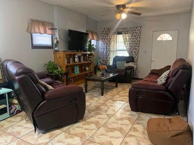 4115 S Shields Boulevard, Oklahoma City, OK 73129 (MLS #933314) :: Keri Gray Homes