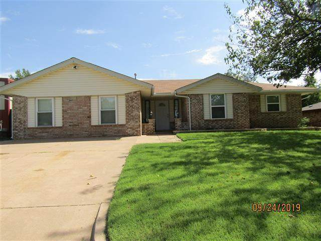 104 Elmwood Avenue, Weatherford, OK 73096 (MLS #933472) :: Homestead & Co
