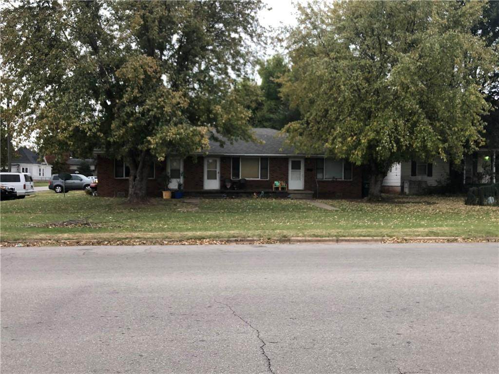 901 Chickasha Avenue - Photo 1