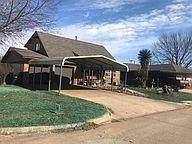 1916 Sunrise Drive, Moore, OK 73160 (MLS #934708) :: Homestead & Co
