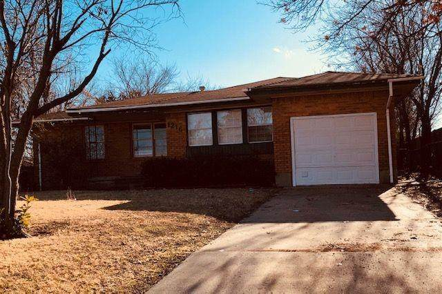 1216 NW Carroll Drive, Lawton, OK 73507 (MLS #940001) :: Homestead & Co