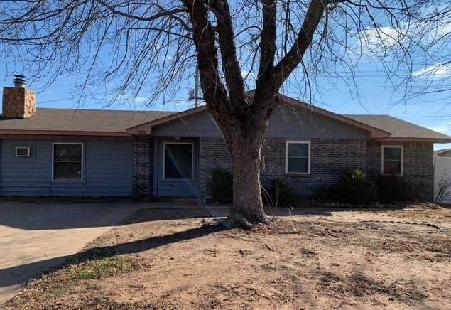 2004 E Ridgeway Street, Weatherford, OK 73096 (MLS #940187) :: Homestead & Co