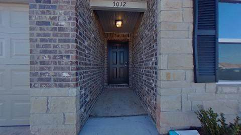 3012 Westbrook Street, Chickasha, OK 73018 (MLS #940706) :: Homestead & Co