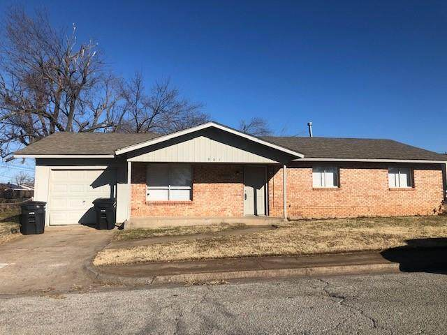901 NW 24th Street, Moore, OK 73160 (MLS #941094) :: Homestead & Co