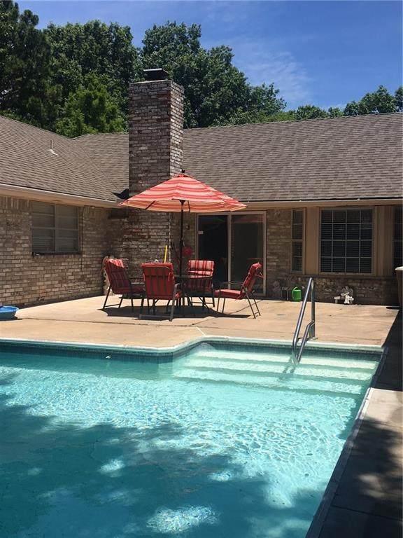 426 Piney Oak Drive, Norman, OK 73072 (MLS #945240) :: Homestead & Co