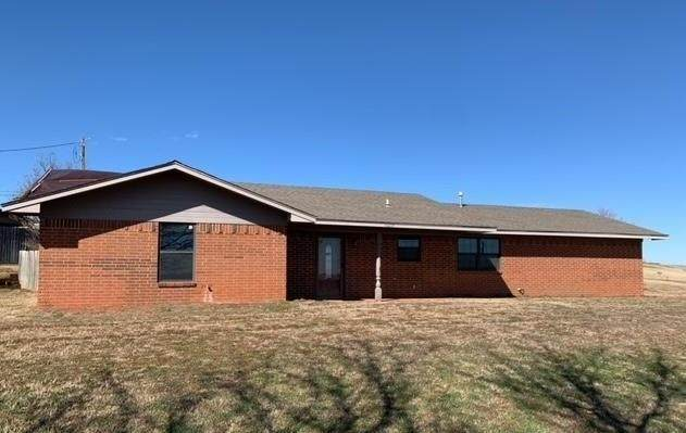 11297 N 1975 Road, Elk City, OK 73644 (MLS #945520) :: Erhardt Group at Keller Williams Mulinix OKC