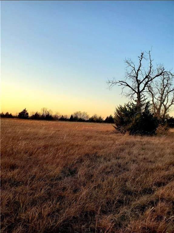 23 W Rustic Hills Estates, Ninnekah, OK 73067 (MLS #946966) :: Homestead & Co