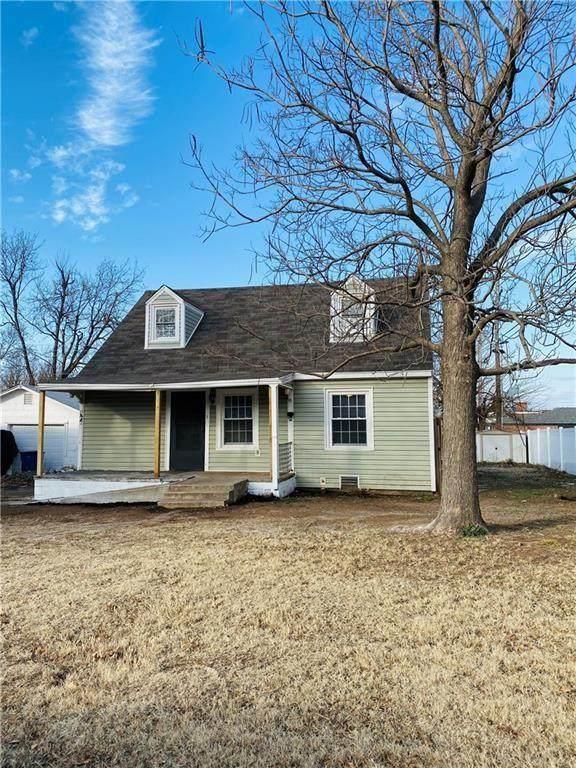 205 E Northrup Drive, Midwest City, OK 73110 (MLS #949766) :: Keller Williams Realty Elite