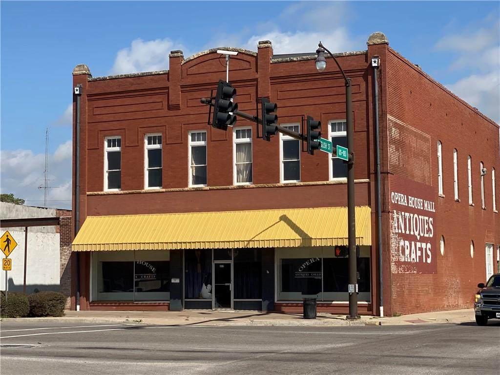 225 Main Street - Photo 1
