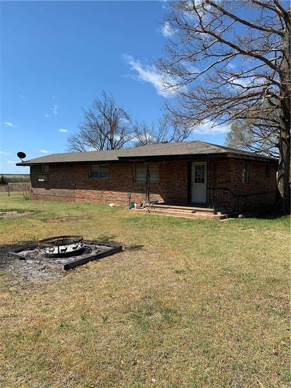 9191 County Road 1315 Road, Fort Cobb, OK 73038 (MLS #953372) :: Homestead & Co