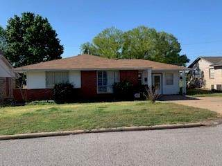 506 W Oklahoma Avenue, Weatherford, OK 73096 (MLS #954126) :: Homestead & Co