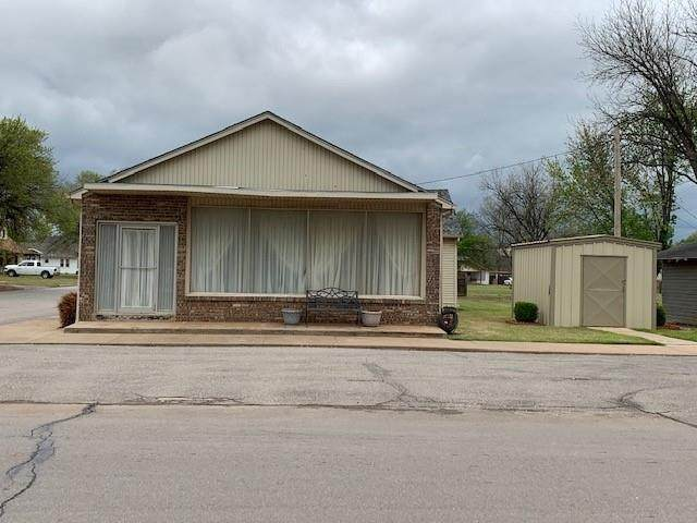 503 N Grant Street, Cordell, OK 73632 (MLS #954687) :: Keller Williams Realty Elite