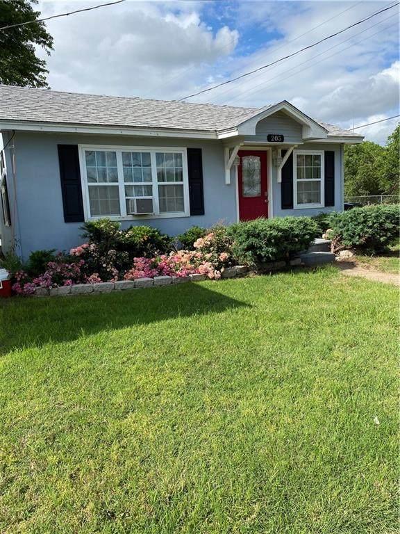 205 W Nebraska Street, Thomas, OK 73669 (MLS #954718) :: Homestead & Co