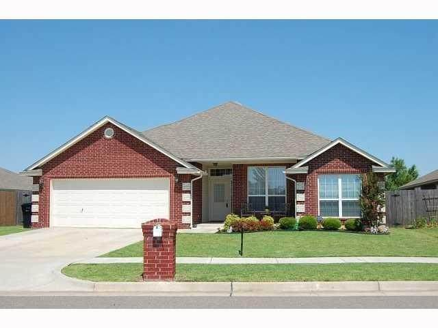 8704 Prairie Ridge Road, Oklahoma City, OK 73135 (MLS #955765) :: Homestead & Co