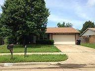 605 Champion Lane, Moore, OK 73160 (MLS #956888) :: Maven Real Estate