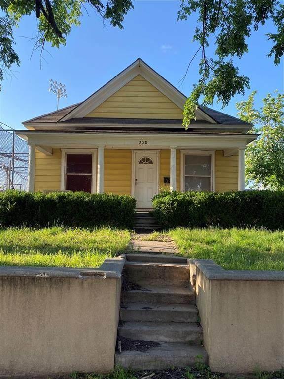 208 E Springer Avenue, Guthrie, OK 73044 (MLS #957030) :: KG Realty