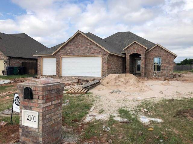 2101 Redbud Creek Avenue, Yukon, OK 73099 (MLS #957385) :: Keller Williams Realty Elite