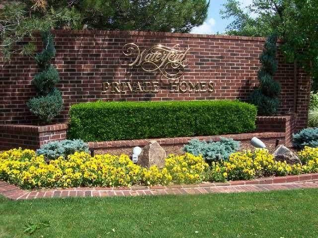 6208 Waterford Boulevard #89, Oklahoma City, OK 73118 (MLS #958017) :: Erhardt Group at Keller Williams Mulinix OKC