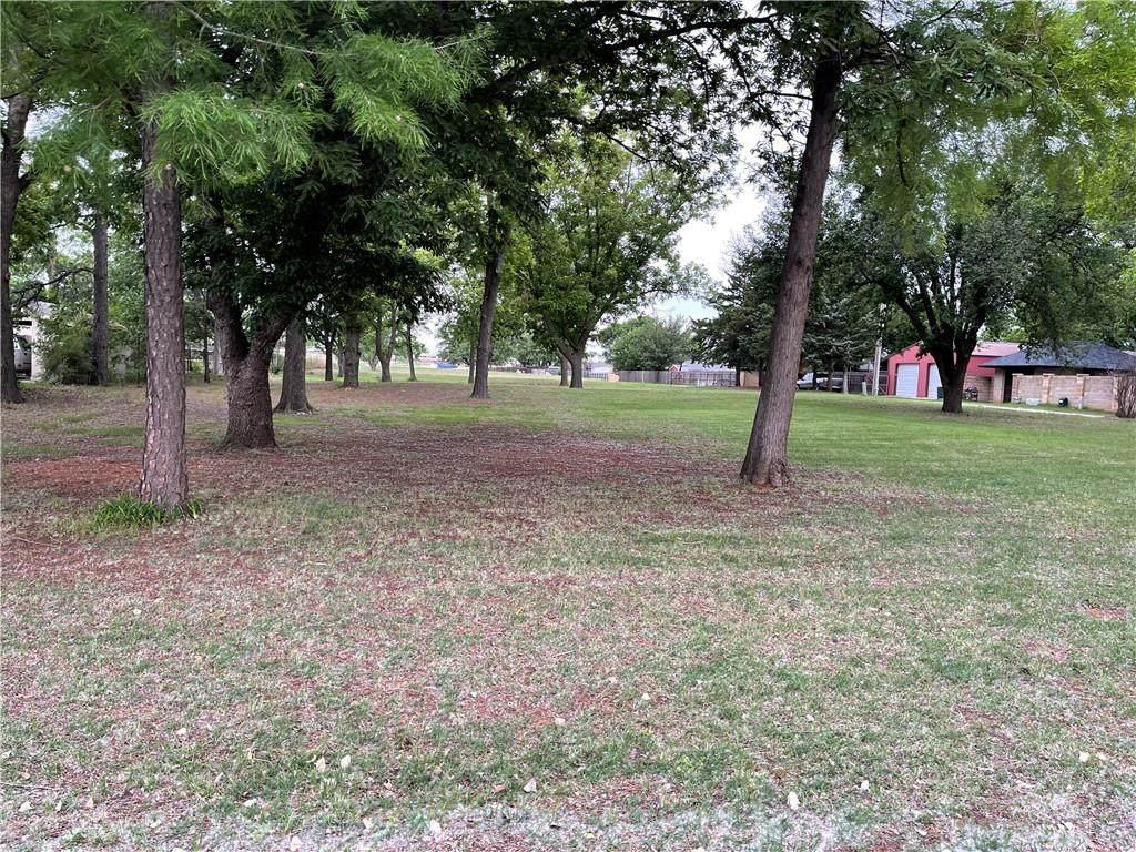 715 Bowman Avenue - Photo 1