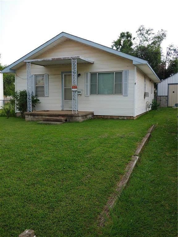 1610 S Dille Avenue, El Reno, OK 73036 (MLS #962308) :: Homestead & Co