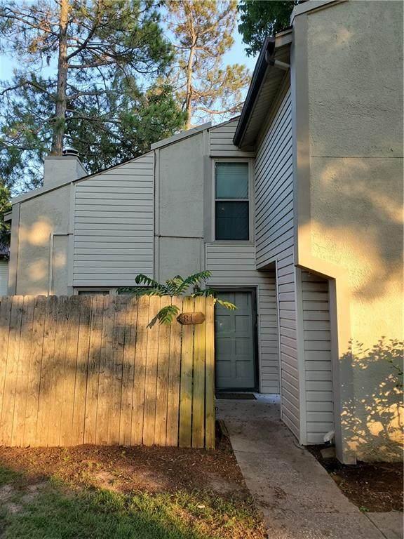 810 Cardinal Creek Boulevard, Norman, OK 73072 (MLS #963641) :: Homestead & Co