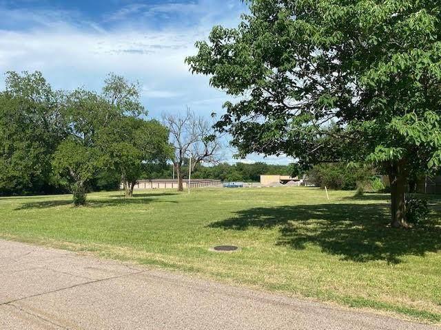 214 Church Drive, Tecumseh, OK 74873 (MLS #964396) :: Homestead & Co