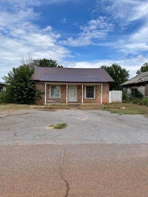 1012 N 3rd Street, Sayre, OK 73662 (MLS #965079) :: The UB Home Team at Whittington Realty