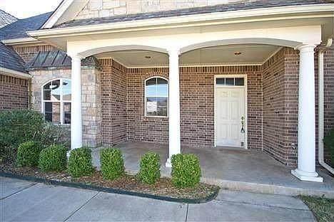 308 E Raleigh Terrace, Mustang, OK 73064 (MLS #967963) :: Meraki Real Estate