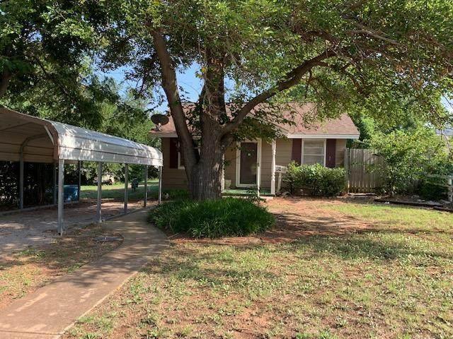 112 E 3rd Street, Cordell, OK 73632 (MLS #969068) :: Erhardt Group