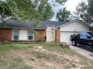 820 NW 118th Street, Oklahoma City, OK 73114 (MLS #969599) :: Maven Real Estate