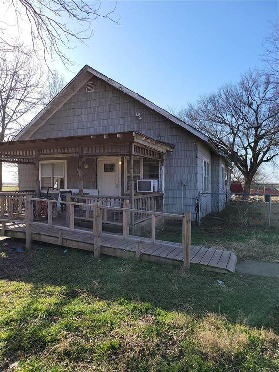 17500 72nd Street, Lexington, OK 73051 (MLS #970095) :: Sold by Shanna- 525 Realty Group