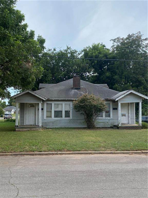 717 E 11th Street, Shawnee, OK 74801 (MLS #971427) :: Sold by Shanna- 525 Realty Group